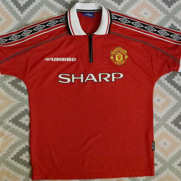 02931cd9f Vintage Umbro Manchester United Sharp Red Jersey. M 5bfd73915c44529524efd60e